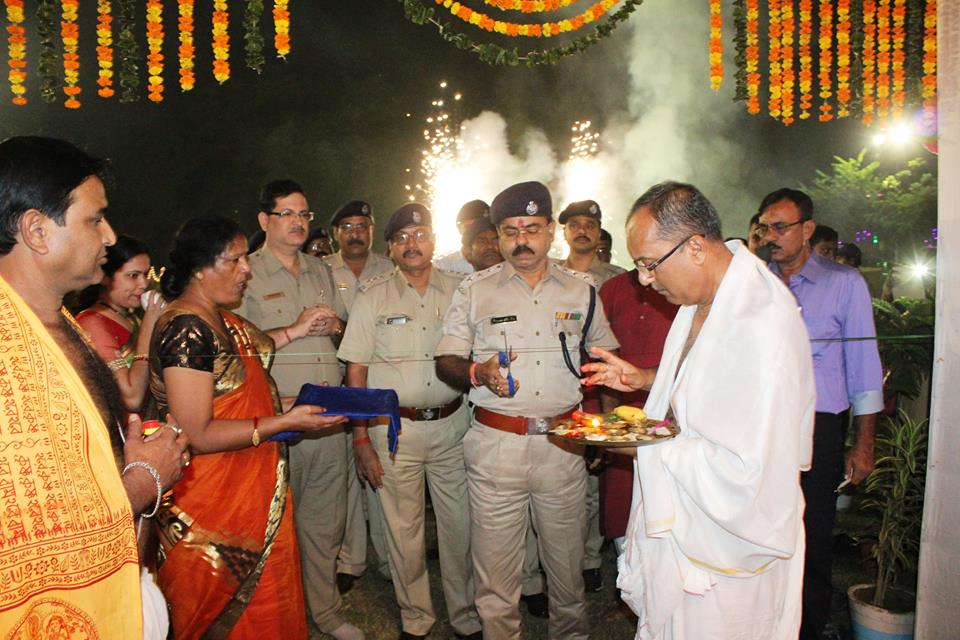 Opening Ceremony of Asansol Durgapur Police Commissionerate Kali Puja at Asansol Police Line on 29.10.2016
