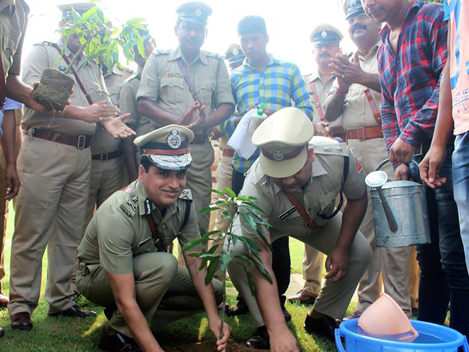 Free Health Check-up Camp & Tree Plantation Programme Organized by Asansol Durgapur Police on 01.09.2017 at Asansol Police LIne.