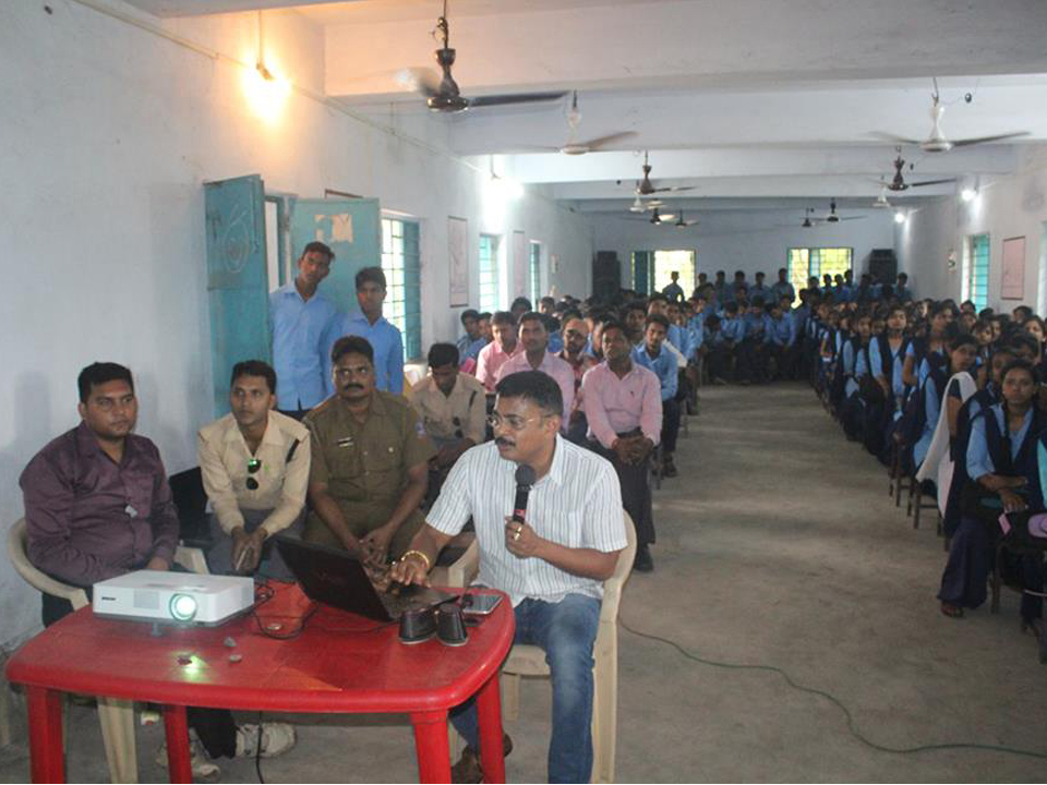 Traffic awareness programme organized by Kulti Traffic Guard at Sodepur colliery High School on 13.07.17