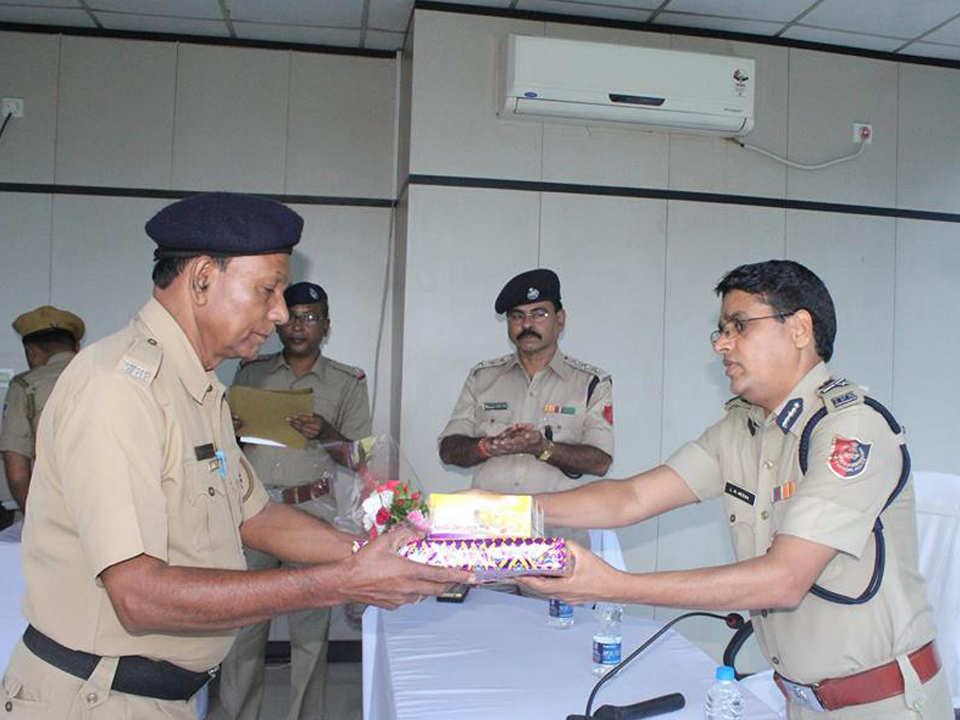 On 31.08.2017 a superannuation programme held at office of the commissioner of police, ACP, (HQ), ACP, (AP), RI,ADPC, RO, ADPC & RO Welfare. Today 8 Police personnel completed their service tenure at police department we the Police family of ADPC wish them a happy & prosperous life in future. God bless them.