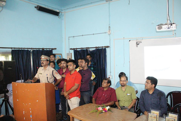 Asansol Durgapur Police added 9 new photos to the album: A Traffic awareness Programme organized by Asansol South TG.