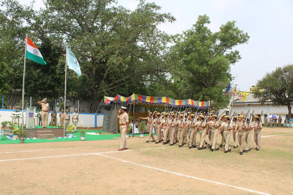 Today on 04.06.2018 morning Home Guard Passing out parade held at Asansol Police Line's Parade ground. Today 107 Home Guards, out of them Male 79 and Female 28 took their oath in presence of Shri Abhishek Gupta, IPS (DCP HQ, ADPC) and other superior officer's. Wishing all the newly inducted HG all best for the future career.