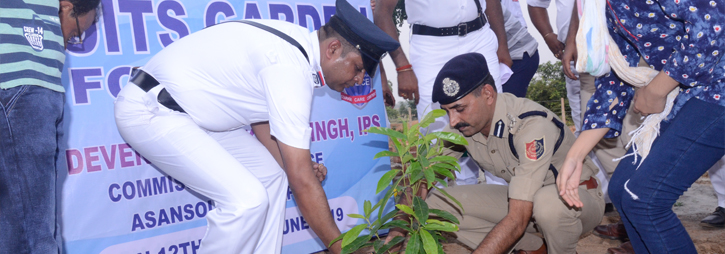 ASANSOL-DURGAPUR POLICE COMMISSIONERATE WEST BENGAL GOVERMENT On 12.06.19 Jamuria PS under ADPC organized Plantation Programme, Fruits garden for Birds and felicitated Madhyamik and Higher Secondary toppers for 2019 of Jamuria PS area under inspiration & august presence of Hon'ble CP, ADPC.