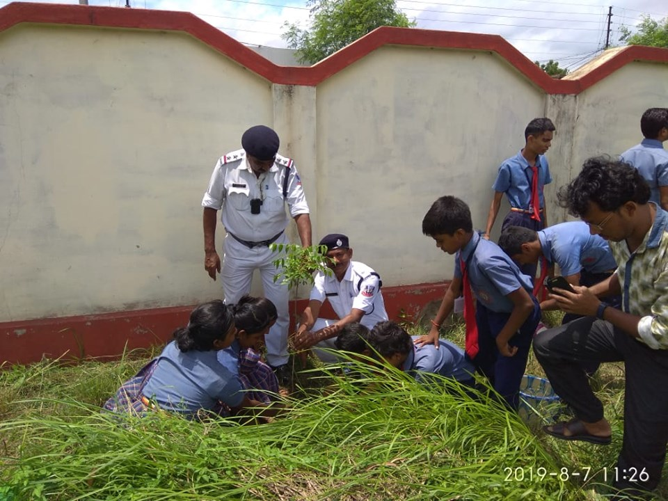 Today on 07.08.19 a Tree Plantaion & Traffic Awarness programme organised by Muchipara Traffic Guard at Sant Nirankari Public School, under Durgapur PS