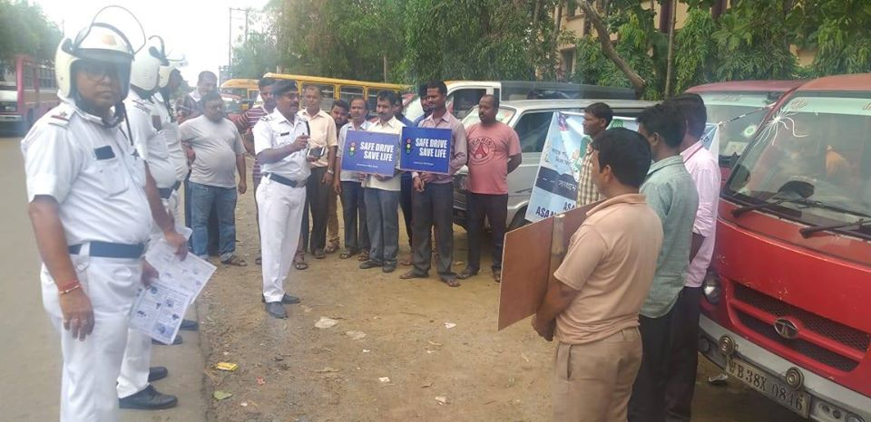 Today on 28.08.19 a Safe Drive Save Life programme organised by Asansol North TG at in front of D.A.V Public School to successful the SDSL mission in presence of OC North TG, officer & staffs of North traffic guard and 26 pull car drivers were attended this programme. Aware them regarding different traffic rules and Traffic signals. Specially instructed them do not use mobile phone & do not drink while driving and told them point wise safety measures during road crossing, distributed leaflets and ORS among the pool car drivers.