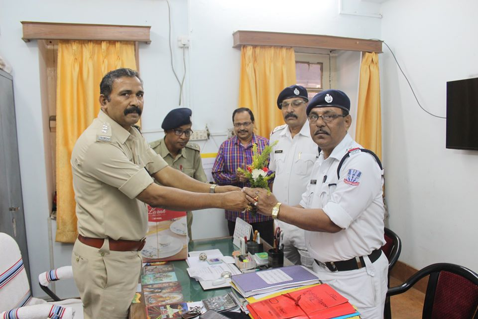 On 30.11.2019 a superannuation programme held at Office of the Commissioner of Police, Asansol Durgapur. Today 01 Police person completed his service tenure at police department we the Police family of ADPC wish him a happy & prosperous life in future. God bless him.