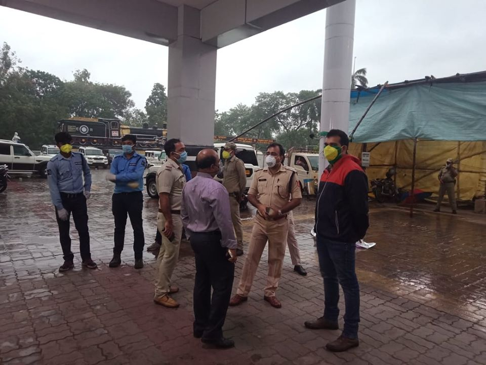 Asansol Durgapur Police performing Duty at Durgapur Rly. Station