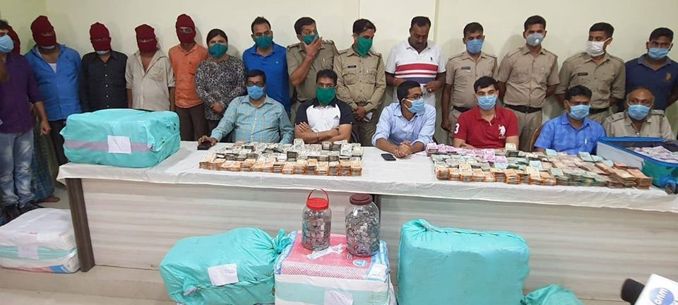 Acting on source information a joint team of Detective Department ADPC and Jamuria PS conducted raids in two places in jamuria and seized 257 kgs of Ganja / Cannabis along with Cash of more than one Crore rupees. Five persons were arrested and a specific case had already been started in Jamuria PS.