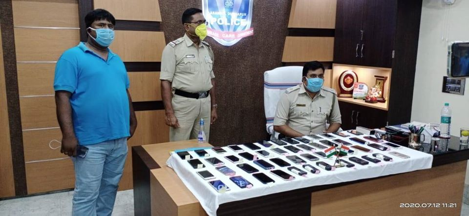 Kulti PS recovered 50 (Fifty) mobile phones and returned to their actual owner after proper verification on 12.07.2020