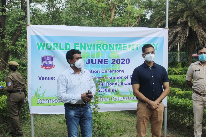 Plantation ceremony held at office of the Commissioner of Police ADPC on the eve of World Environment Day on 05 June 2020. In presence of Shri Sukesh Kumar Jain, IPS Hon'ble Commissioner of Police ADPC, DM Paschim Bardhman, DCPs East, West, Central, Traffic, Special Branch, Head Quarter, ADCP Traffic and all ACPs and others. Total 5200 plants were planted throughout the Asansol Durgapur Police Commissionerate by Police personnel in different units by Traffic, PSs and PPs participants from all ranks .