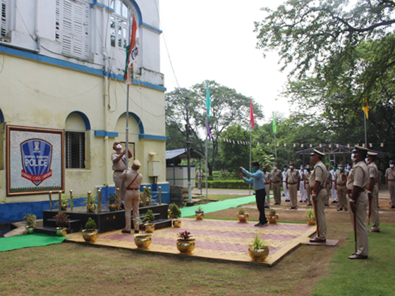 75th Independence Day 2021 was celebrated in Asansol Durgapur Police Commissionerate at Commissioner of Police Office, Asansol. Hon'ble Commissioner of Police hoisted the National Flag with all dignitaries police officers and force of ADPC.
