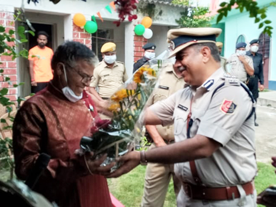 Oldage and Child Care Homes visited by Asansol Durgapur Police on the Occasion of 75th Independent Day on 15th August, 2021.