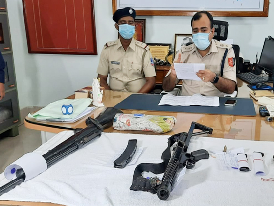On 19.08.2021 acting on source information, Pandaveswar PS Police team conducted a successful raid at Ramnagar 03 No. Paswan paraa under Pandaveswar PS and seized 9 MM Pistol loaded with 02 rounds ammunition, 8 MM musket type big gun, 9 MM Carabine Sub Machin Gun and arrested 01 persons. Investigation is going on.